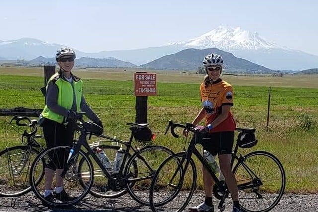 Participants at a previous Siskiyou Scenic Bicycle Tour.
