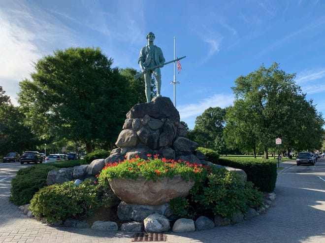 LexSeeHer is organizing an effort for a monument to a Lexington woman or women who have a profound influence in town. Lexington has many monuments and statues, including Captain Parker (shown), but none of a woman.