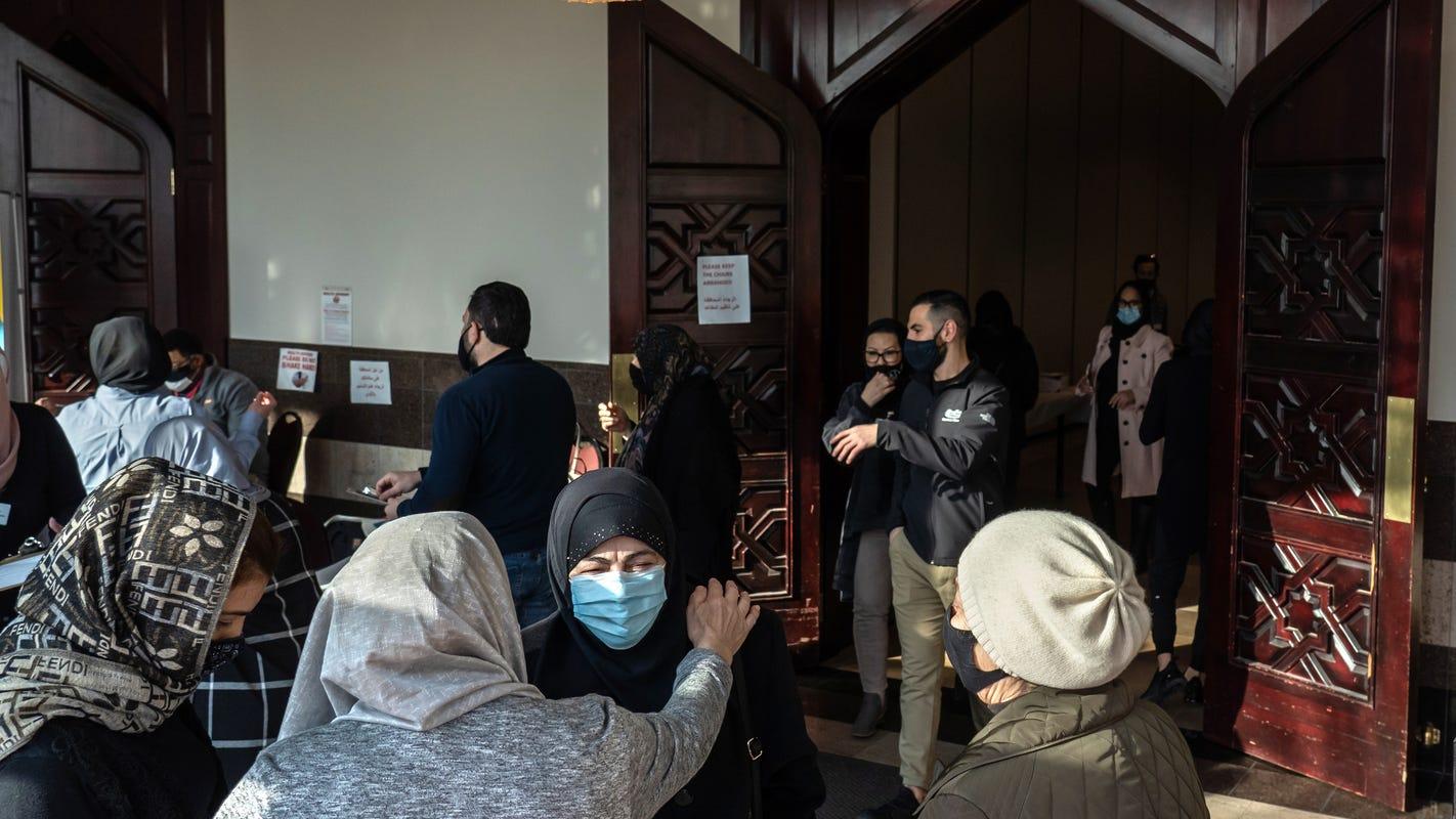 COVID-19 shots at midnight in Dearborn reach Muslims during Ramadan