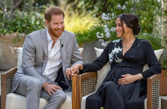 """Pangeran Harry, kiri, dan Meghan, Duchess of Sussex, berbicara tentang mengharapkan anak kedua mereka selama wawancara dengan Oprah Winfrey. """"Oprah dengan Meghan dan Harry: A CBS Primetime Special."""""""