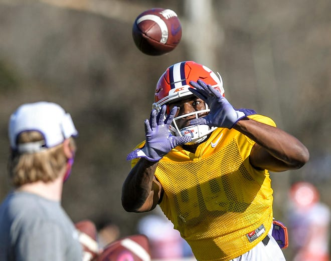 Clemson wide receiver Justyn Ross catches a ball during spring practice.