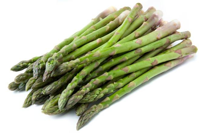 Green asparagus spears.