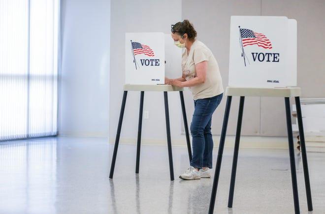 Voting on June 2, 2020, in Hiawatha, Iowa.