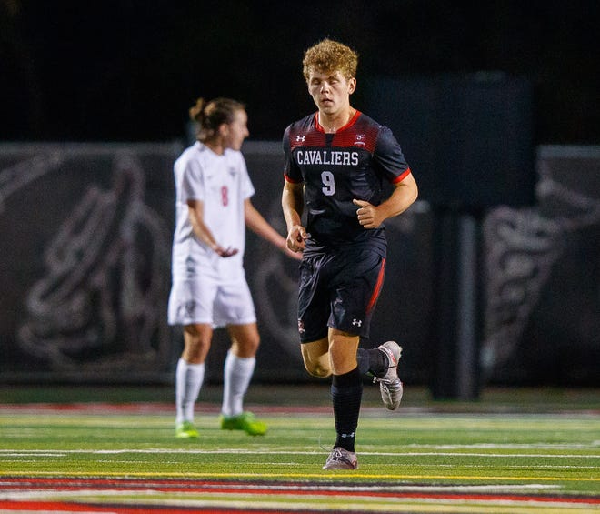 Alex Bethke, a junior striker, continued his season-long trend of terrorizing opposing defenses as he scored four goals and had an assist to help the Cavs to wins over Westlake and Del Valle.