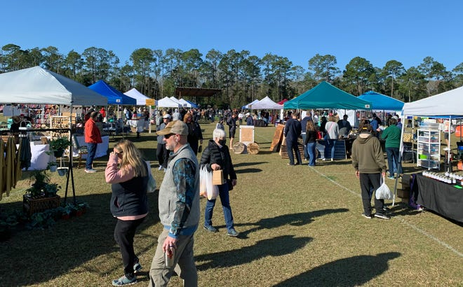 On the third Saturday of each month the Nocatee community hosts a themed Farmers Market featuring a variety of vendors and entertainment.