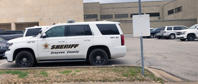 Grayson County commissioners approved the purchase of seven new patrol vehicles Tuesday.