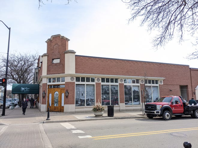 Bowerman Blueberries will fill the corner lot at Eighth Street and Central Avenue in downtown Holland. The building was formerly home to SandCastle for Kids and Alpenrose Restaurant —both of which closed in 2020.