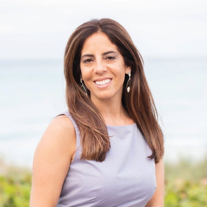 Elaine Cotronakis, candidate for Juno Beach council seat 2