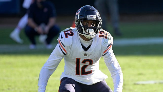 The Chicago Bears placed the franchise tag on star receiver Allen Robinson on Tuesday, setting up a potential messy situation with their most consistent playmaker on offense.