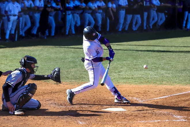 Tarleton pinch hitter Colby Seltzer put the Texans on top for good with a go-ahead pinch-hit grand slam with bases loaded to lead 6-4 on Saturday against Missouri State. It was Seltzer's third home run in the last four games this week.