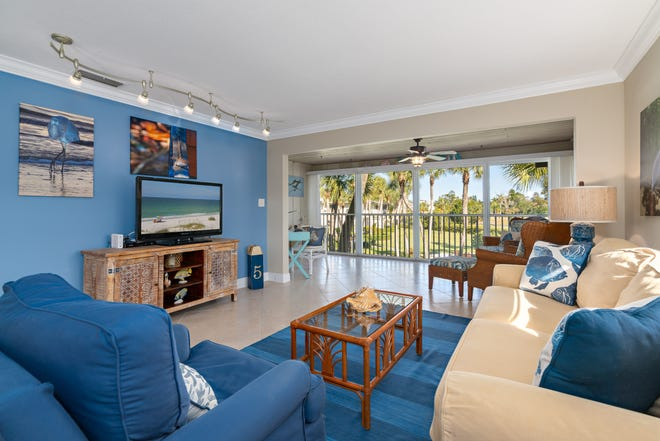 A beachy remodeled condominium on Longboat Key at Whitney Beach has come onto market for $574,900. Situated on the second floor with views of bay and gardens at the back, this 1,377-square-foot, corner unit has two bedrooms, two-baths and comes fully furnished.