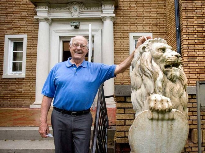 Longtime Topeka developer Ross Freeman died Thursday at the age of 81. A reception will be held Friday to celebrate his life.