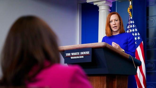 Sekretaris pers Gedung Putih Jen Psaki berbicara saat konferensi pers di Gedung Putih, Selasa, 9 Maret 2021, di Washington.
