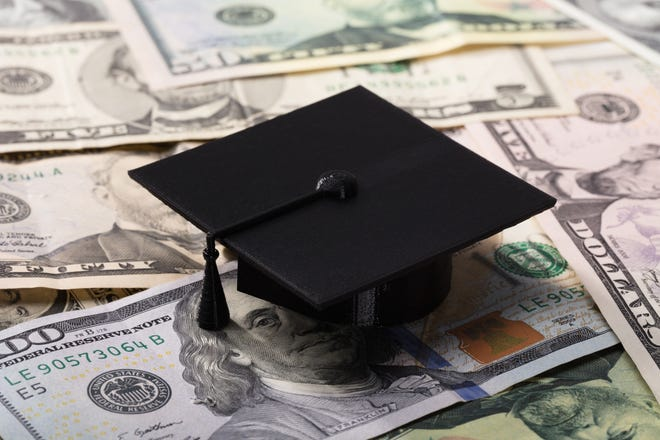 The school system and CEP are teaming up to help graduating seniors find jobs.