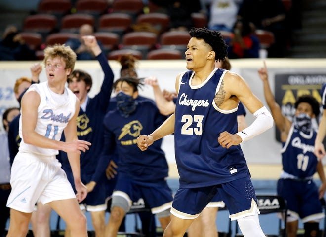Heritage Hall's Trey Alexander (23) averaged 23.6 points along with 8.7 rebounds, 4.0 assists and 2.1 steals per game last season.