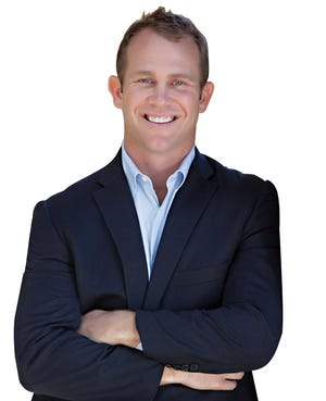 """Palm Beach-based Gary Pohrer has been named Douglas Elliman Real Estate's No. 1 agent in the country based on his """"gross commissionable income"""" for 2020."""