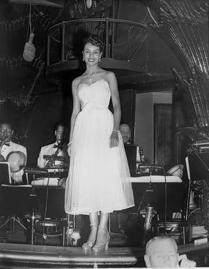 Jo Thompson saat tampil di Paramount Hotel di New York City.