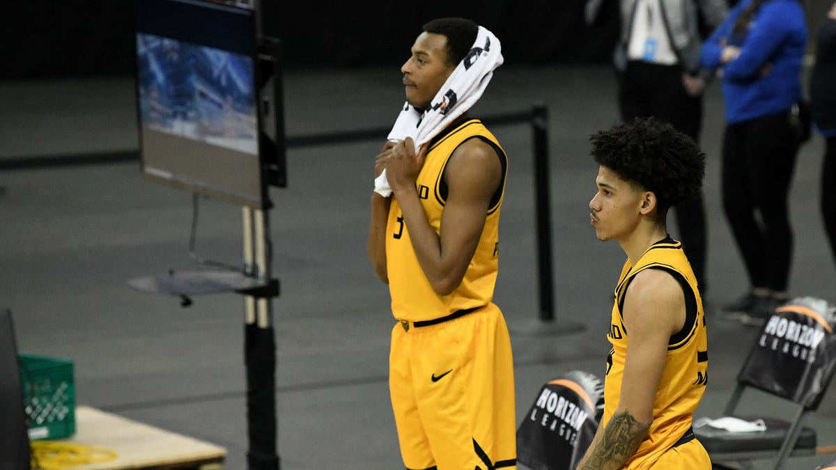 'It really hurts': Oakland defied odds to get to this point, but falls win shy of NCAA Tournament 2