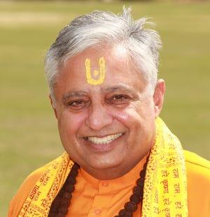 Rajan Zed recited Hindu mantras at Tuesday night's Franklin Board of Mayor and Aldermen meeting.
