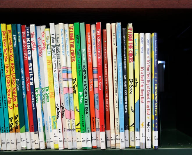 Stark Countylibraries plan tokeep copies ofcontroversial Dr. Seuss books that include insensitive portrayals of ethnic minorities.
