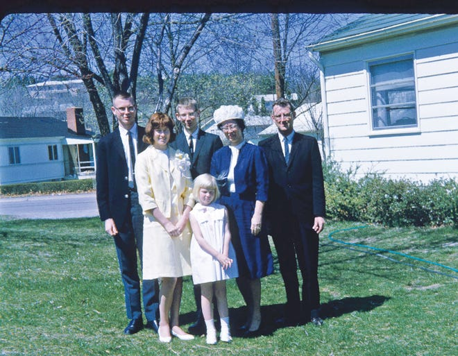 A family photo, circa 1961, at 101 Powell Road, looking northwest. From left are Jim, Marj, Dick, Jana, Winnie, and John Sites.