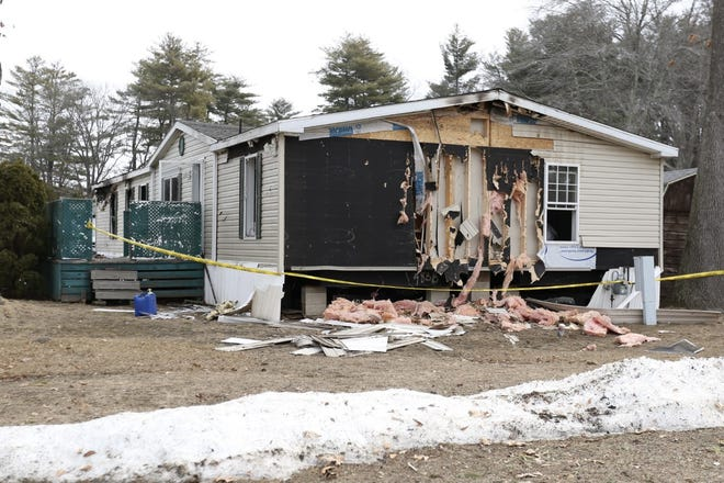 The state fire marshal is investigating a fatal fire that occurred at 21 Spruce St. in Seabrook, where one person escaped with help from a police officer.