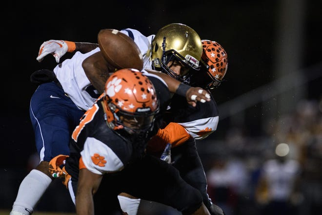 After an impressive showing against Pine Forest, South View's defense welcomes a potent E.E. Smith offense to Hope Mills.