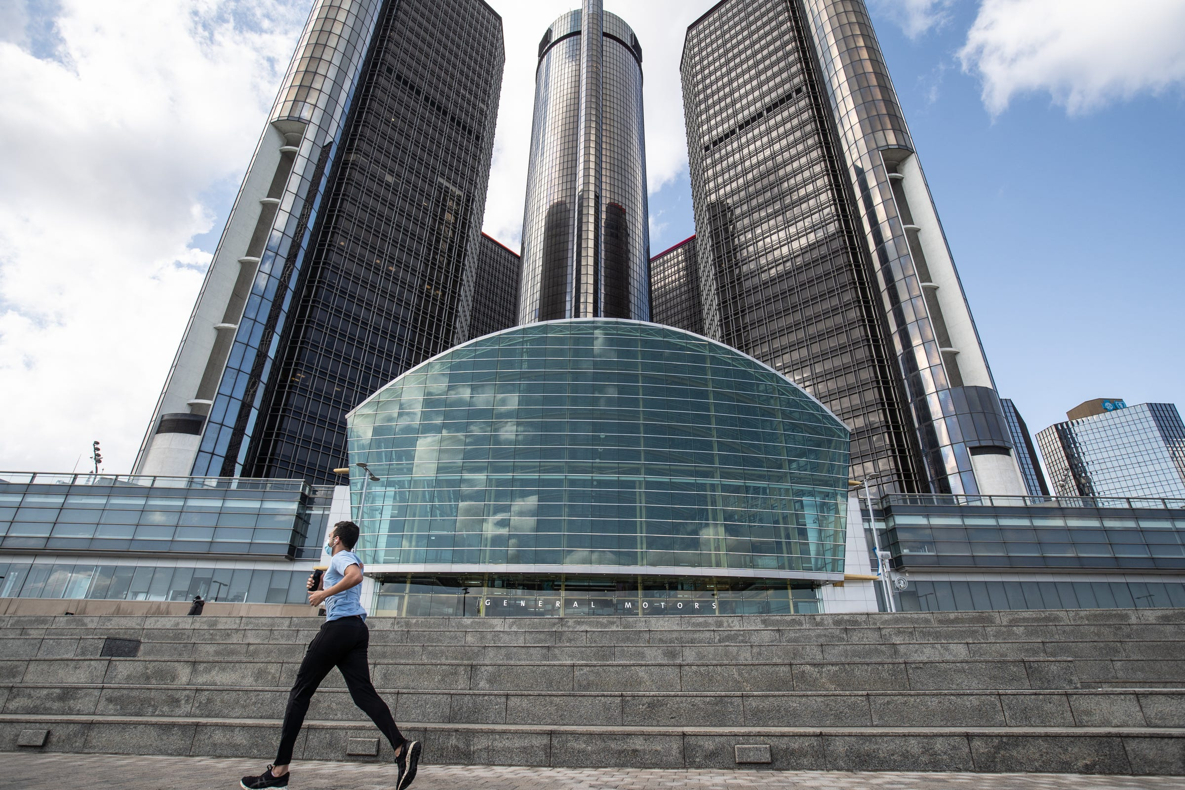 GM reports $3.3B first-quarter net profit despite semiconductor chip shortage