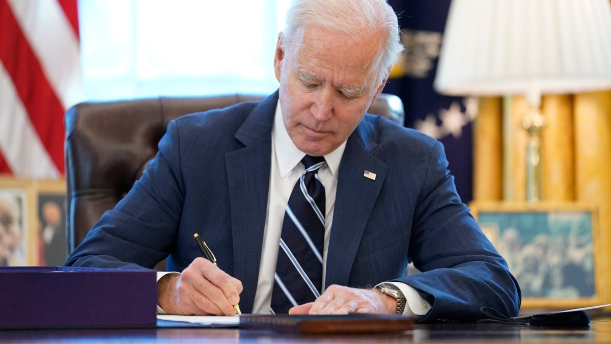 White House: Biden to direct states to make all adults eligible for coronavirus vaccines by May 1 3