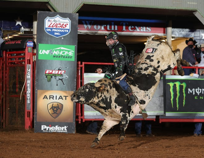 Jess Lockwood attempts to ride Andrews Rodeo Co. Inc.'s Last Resort during the second round of the Fort Worth Unleash The Beast PBR. Photo By: Andy Watson / Bull Stock Media