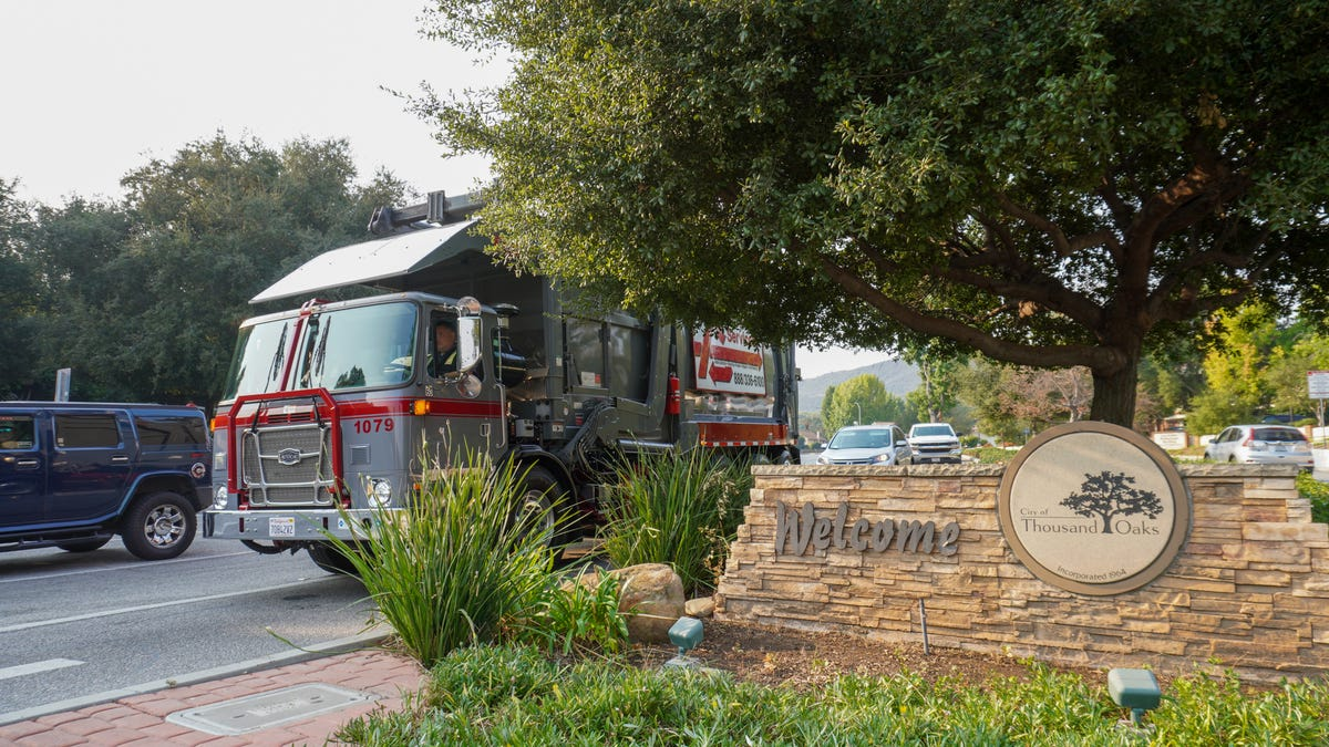 Thousand Oaks hires a new garbage collector offering lower rates