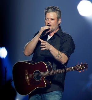Blake Shelton performs March 16, 2019, at the Resch Center in Ashwaubenon, Wis. as part of his Friends and Heroes 2019 tour.