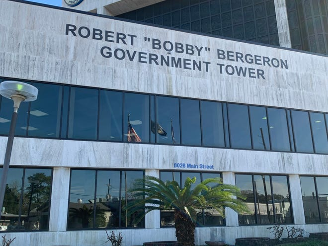 Terrebonne's Government Tower's first floor will reopen Monday for residents who want to do business with the parish.
