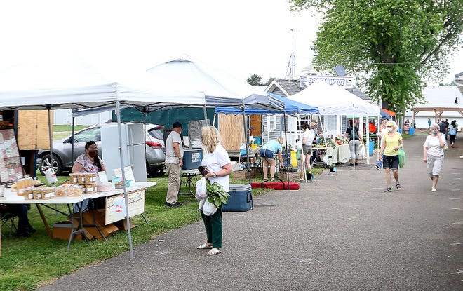 The Tuscarawas Valley Farmers Market isaskingits supporters to participate in America's 13th annual Farmers Market Celebration contest.