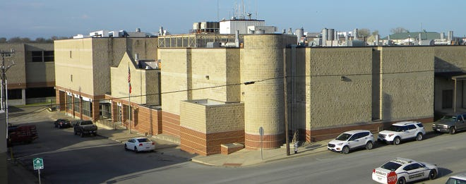 The Ellis County jail is a major user of water and may benefit from an audit of county utility expenses which could result in cost-saving facility upgrades, the Commissioners' Court was told this week.