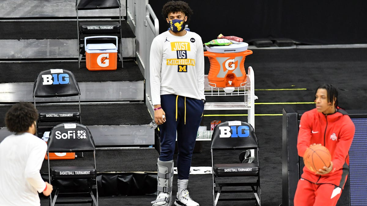 Michigan's Isaiah Livers undergoes surgery to repair foot; out at least 6 months 1