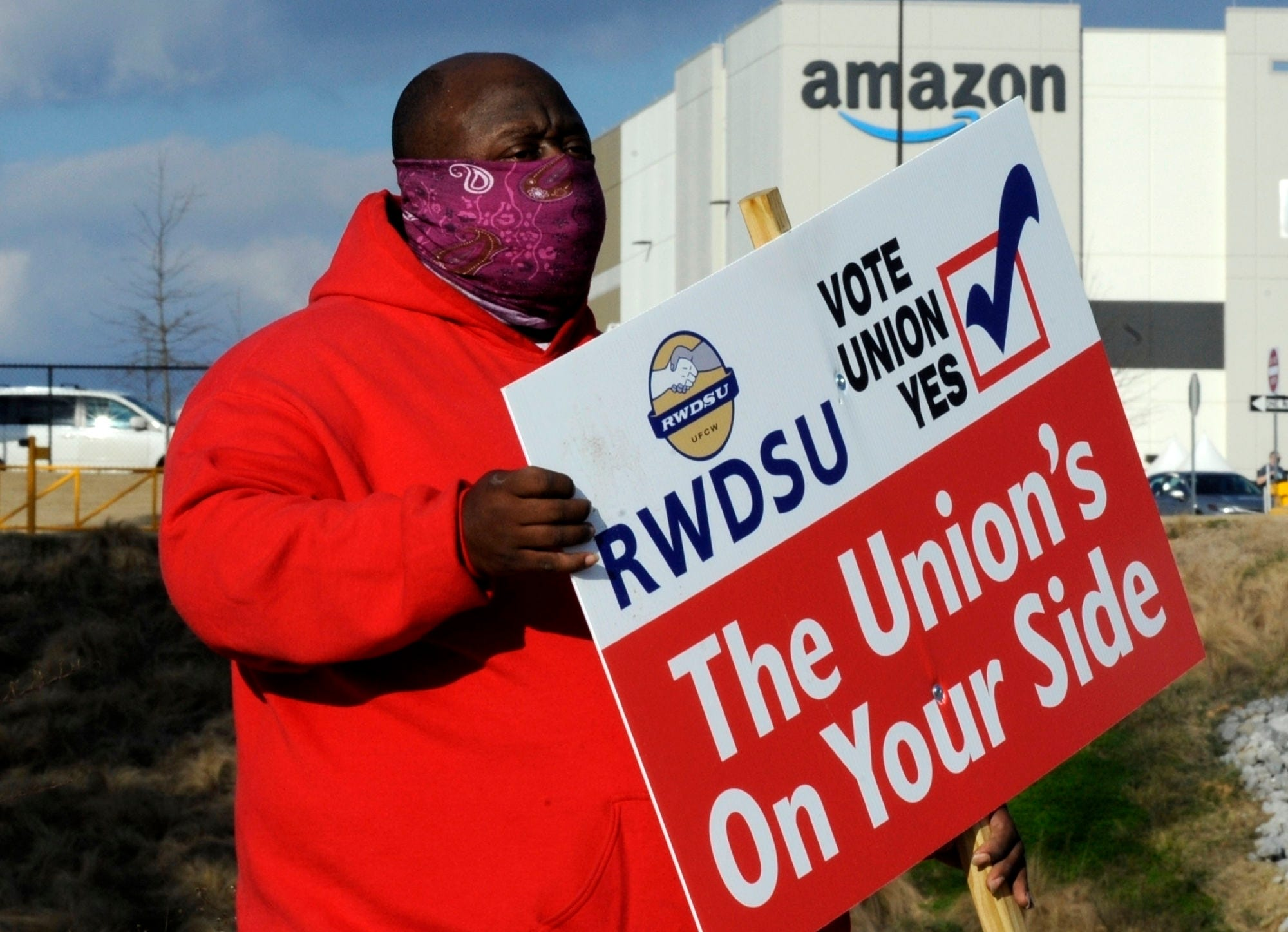 Black Lives Matter backs Amazon union push in Alabama 2
