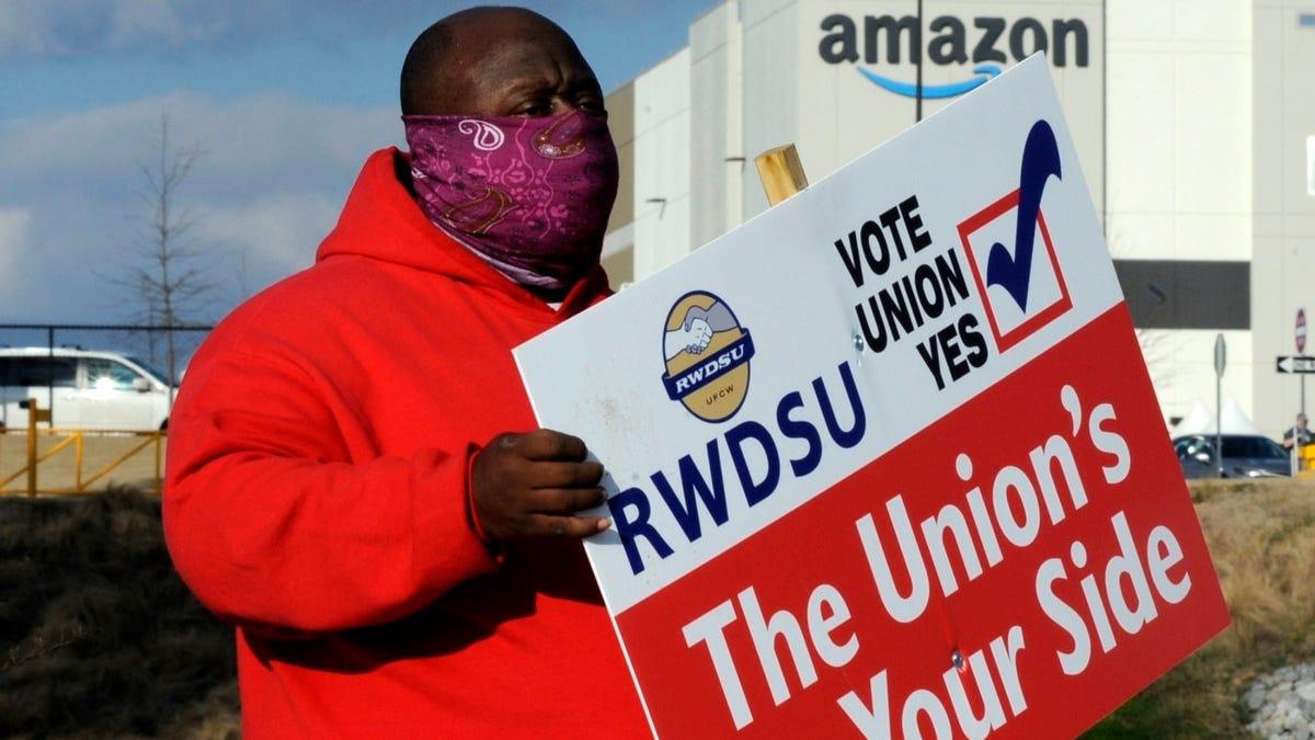 Black Lives Matter backs Amazon union push in Alabama 3