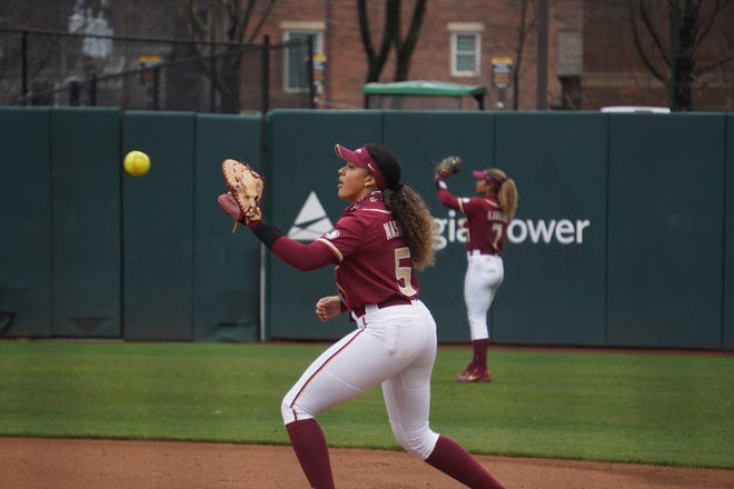 Elizabeth Mason has leaned on her experience as a Seminole, trying to lead a youthful squad to familiar heights.