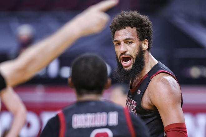 New Mexico State senior forward Johnny McCants is expecting his first child in February 2022.