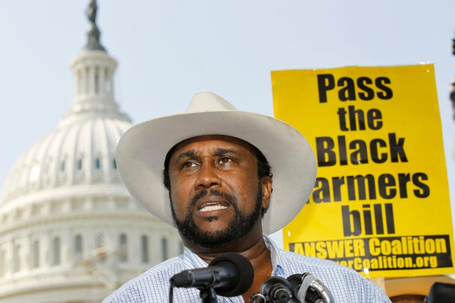 ORG XMIT: DCAB108 John W. Boyd, Jr., founder and President of the National Black Farmers Association, speaks at a news conference on Capitol Hill in Washington, Thursday, Sept. 23, 2010, asking the Senate to pass the $1.15 billion in funding for the Black farmers discrimination case settlement before the recess. (AP Photo/Alex Brandon)