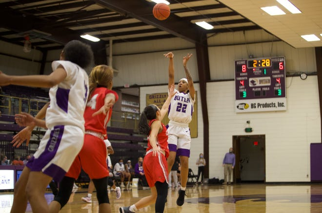 MeKayla Furman (22) attempts a shot in the first quarter of Saturday's 69-61 loss to Coffeyville. The Sophomore transfer from Trinity Valley CC had 13 points off the bench.