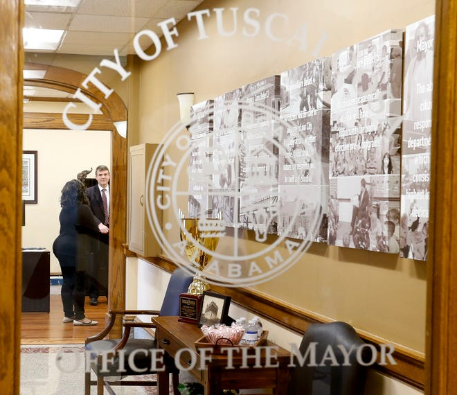 Members of the Tuscaloosa City Council will be inaugurated Monday. The city of Tuscaloosa's first council was formed in 1985, replacing the mayor/commission form of government. [Staff photo/Gary Cosby Jr.]