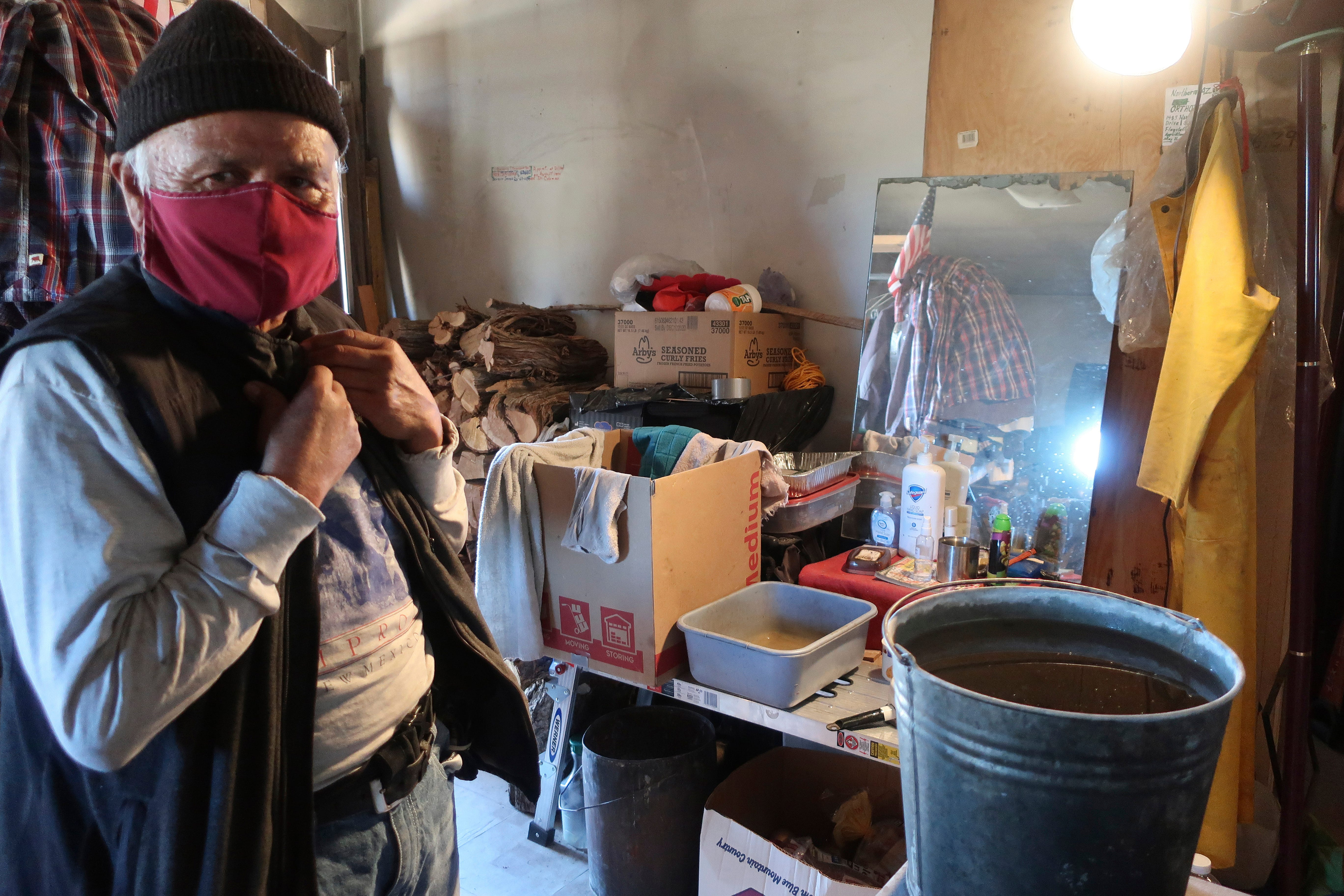In a pandemic, Navajo community steps up for its vulnerable 2
