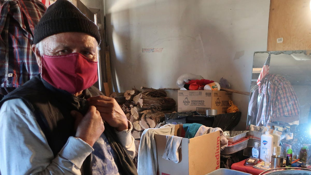 In a pandemic, Navajo community steps up for its vulnerable 3