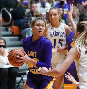 White River's Caelyn Valandra Prue looks to attack the basket against Castlewood during the Class B state championship game on Sat., March 13 in Huron.