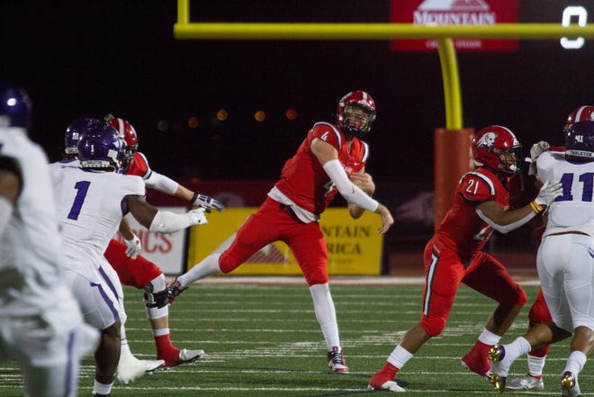 Justin Miller threw four touchdown passes and Karris Davis scored the go-ahead touchdown with 1:34 remaining as FCS-member Southern Utah defeated Tarleton State 40-35 on Saturday night.