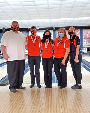 Three Quincy Orioles, shown here with their coaching staff, earned Cascade All Conference honors. Earning All Conference honors were Cody Neusbaum, Daylin Fuller and Carlie McKinley.