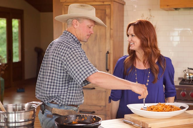 """Ree Drummond and her husband, Ladd Drummond, are seen on an episode of her Food Network show """"THe Pioneer Woman."""""""