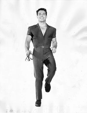 George Hoodsaysthat legendary fitness guru JackLaLanne, who set his own pushup world record in 1956,was one of his idols.